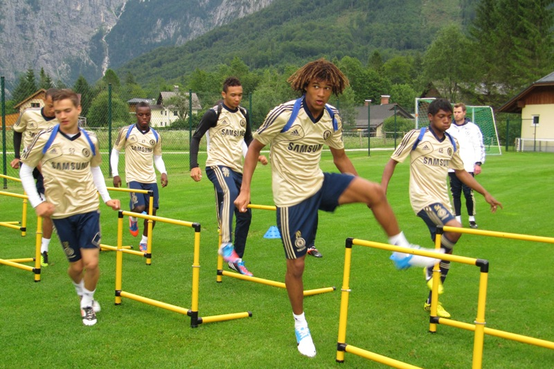 Chelsea Jungprofis auf Trainingslager in Obertraun