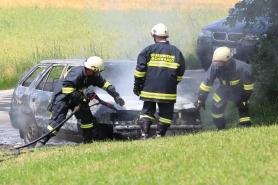 Fahrzeug völlig ausgebrannt