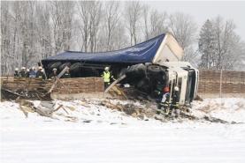 Totalsperre der Westautobahn nach LKW Unfall