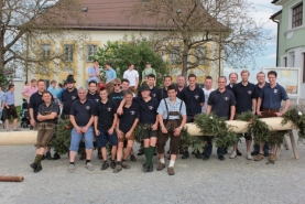 Ein Hoch dem 1. Mai - Maibaumaufstellen in Ohlsdorf