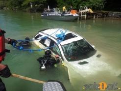 Fahrzeugbergung aus 2 Meter Tiefe