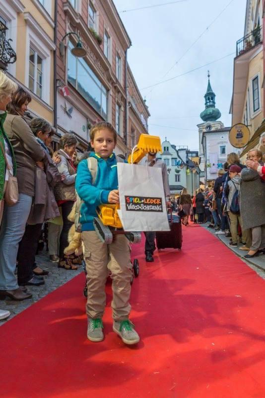 schmankerlroas modeschau gmunden 2017 (17)