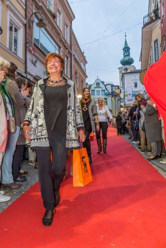 schmankerlroas modeschau gmunden 2017 (22)