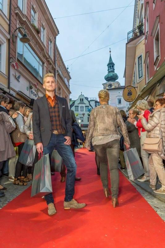 schmankerlroas modeschau gmunden 2017 (25)