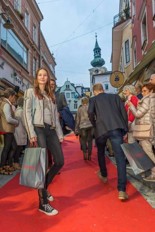 schmankerlroas modeschau gmunden 2017 (26)