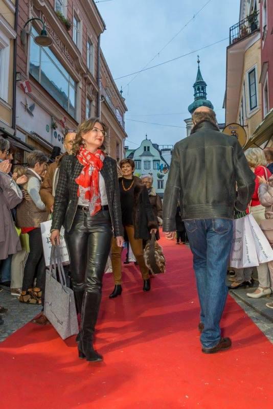 schmankerlroas modeschau gmunden 2017 (30)