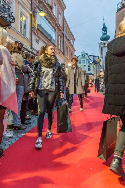 schmankerlroas modeschau gmunden 2017 (36)
