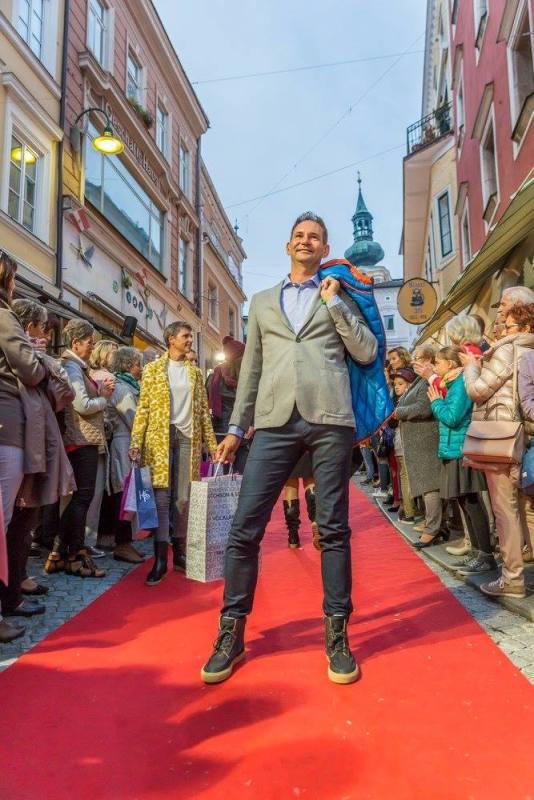 schmankerlroas modeschau gmunden 2017 (40)
