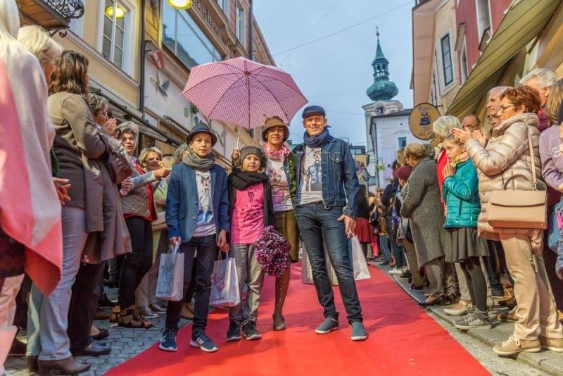 schmankerlroas modeschau gmunden 2017 (43)