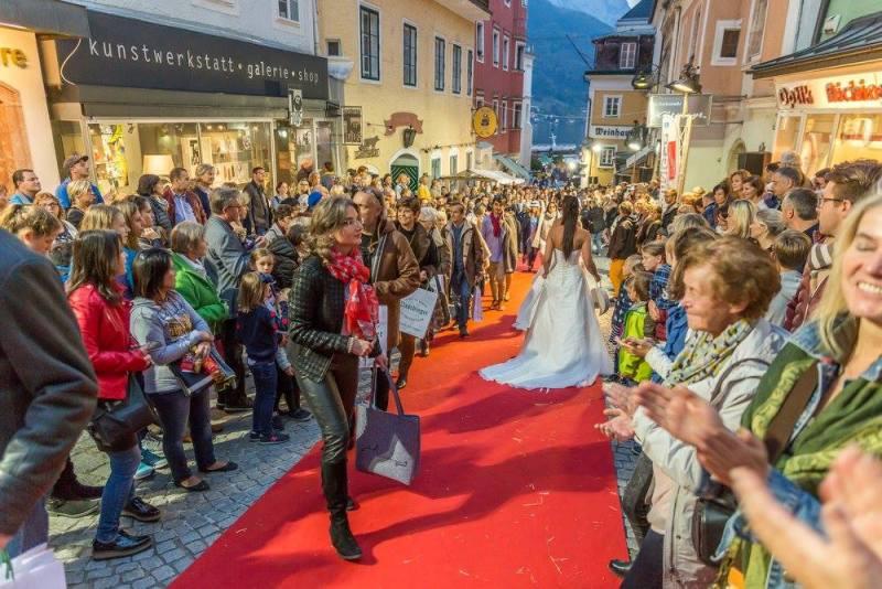 schmankerlroas modeschau gmunden 2017 (49)