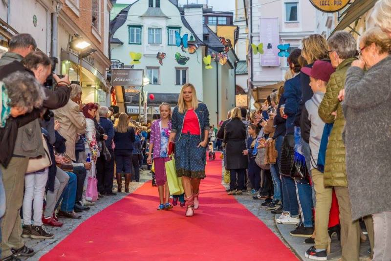 schmankerlroas modeschau gmunden 2017 (6)