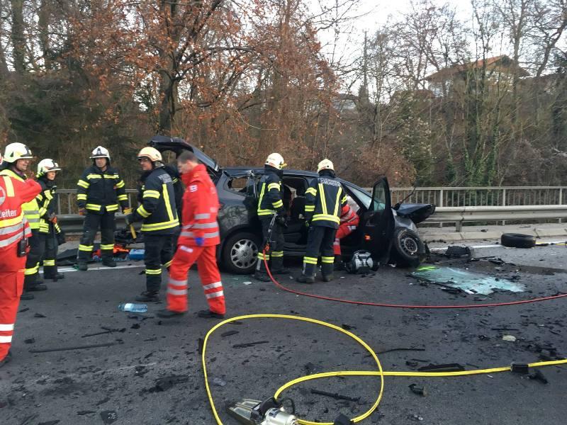 Schwerer-Verkehrsunfall-auf-der-B120-1