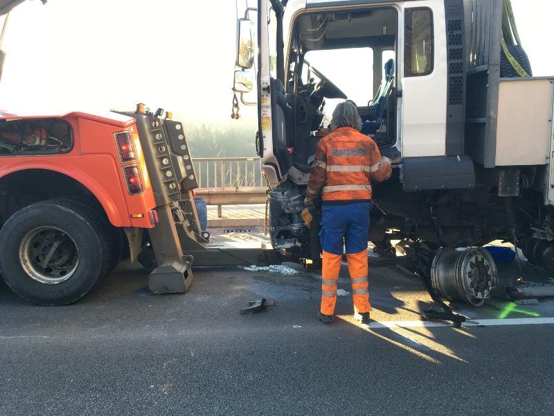 Schwerer-Verkehrsunfall-auf-der-B120-10
