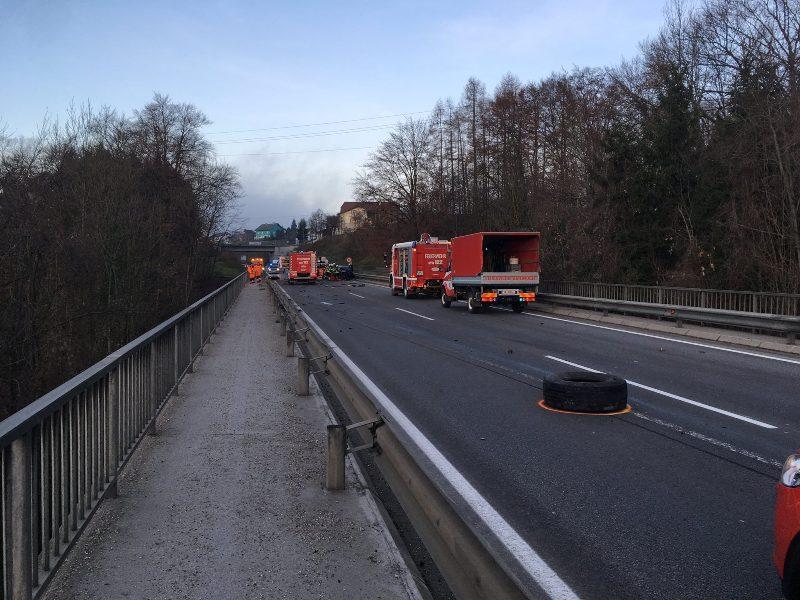 Schwerer-Verkehrsunfall-auf-der-B120-3