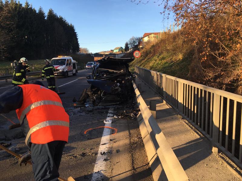 Schwerer-Verkehrsunfall-auf-der-B120-4