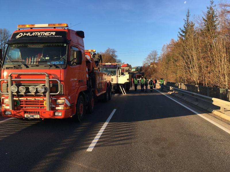 Schwerer-Verkehrsunfall-auf-der-B120-5