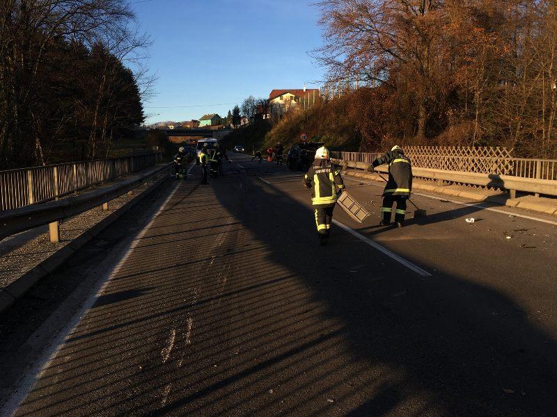 Schwerer-Verkehrsunfall-auf-der-B120-8