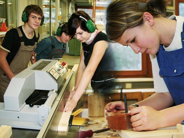 Uni leute kennenlernen neukirchen an der vckla: Frauenstein