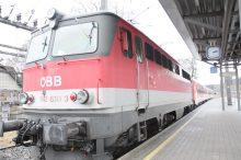 Bursch kletterte auf ÖBB-Zug - tot