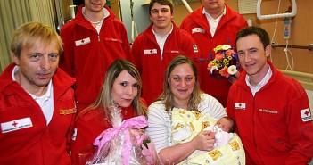Kleine Julia wollte nicht warten: Geburt im Notarztwagen | Foto: RK