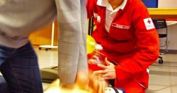 """Rotes Kreuz reagiert auf """"Unfall-Zuschauer"""": Erste Hilfe lernen zum halben Preis"""