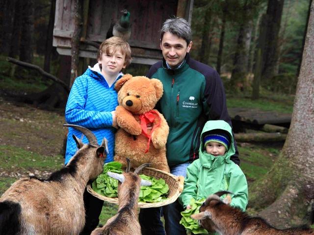 Herzteddy macht Rast im Wildpark Grünau