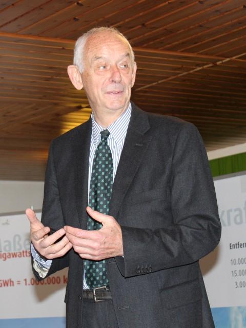 Straß im Attergau: Dr. Heinz Kopetz über erneuerbare Energien