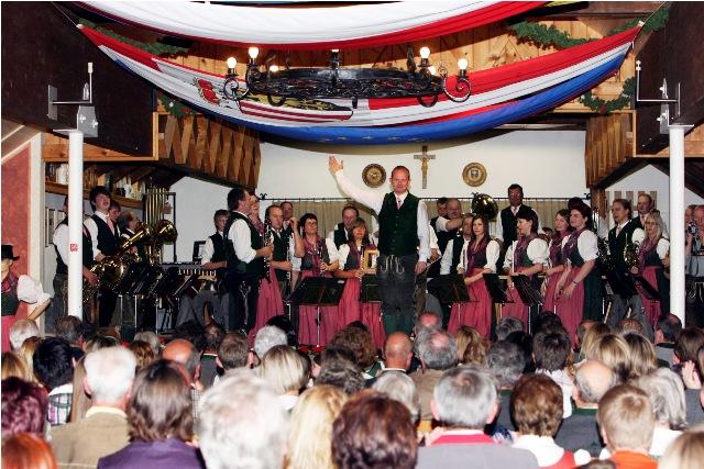 """Konzert-Highlight mit TMK """"D'Schobastoana"""" in Steinbach am Attersee"""