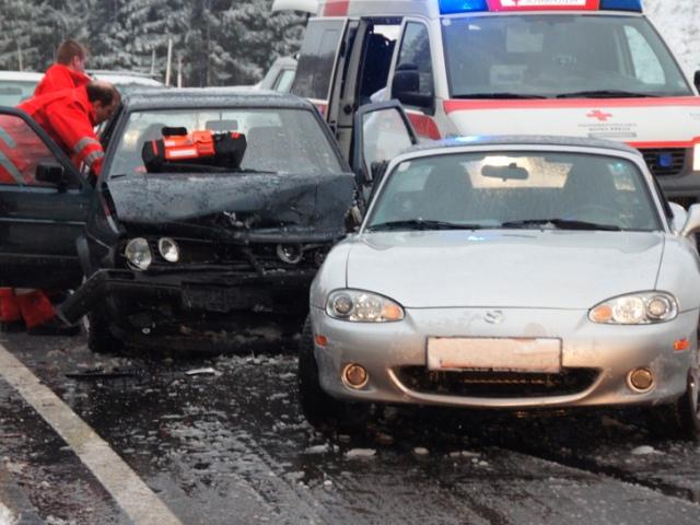 Serienunfall mit elf Fahrzeugen auf der Westautobahn | Symbolfoto: Peter Sommer