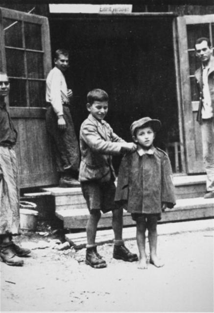 """Ausstellung """"no child´s play"""" - Kein Kinderspiel Kinder im Holocaust – Kreativität und Spiel"""