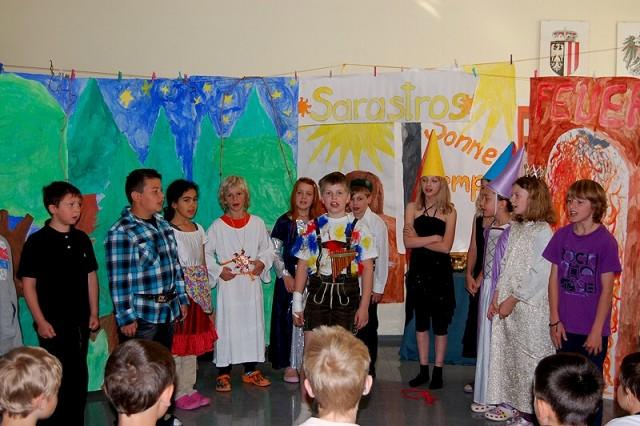Mozarts Zauberflöte in der Volksschule Reiterndorf