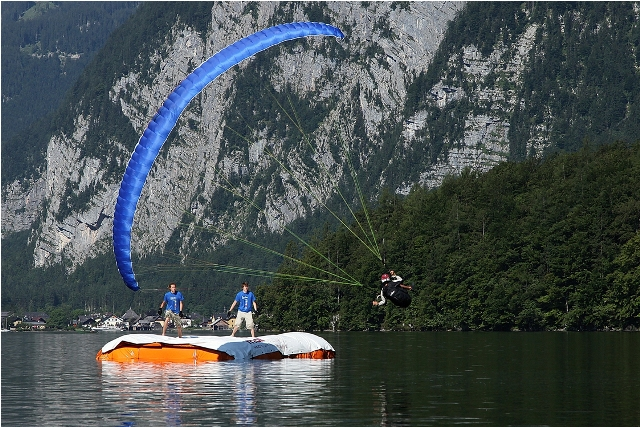 """2. Internat. Gleitschirm-Kunstflugcup """"Acrojam 2012"""" am Krippenstein"""