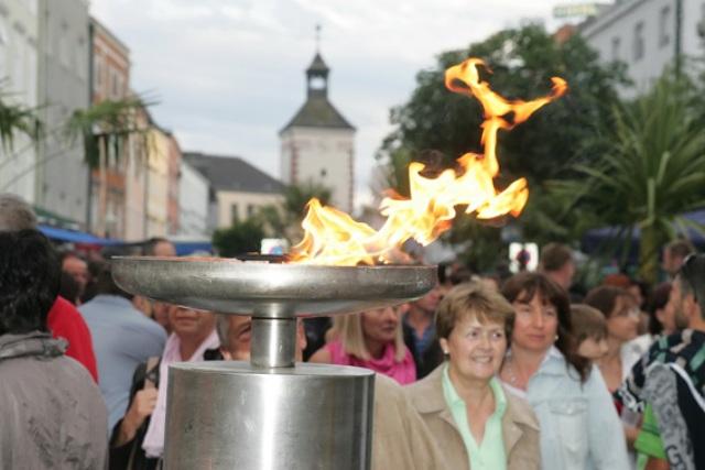 """""""Feuernacht - das hell erleuchtete Shoppingvergnügen"""" in Vöcklabruck"""