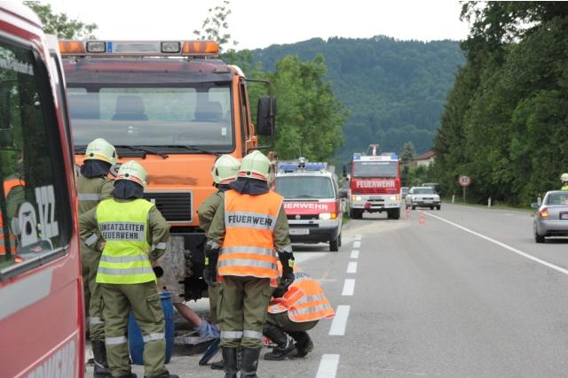 Ohlsdorf: defekte Hydraulikleitung sorgt für Feuerwehreinsatz