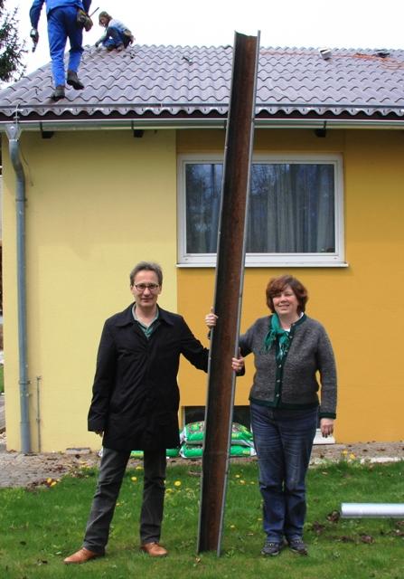 SOS-Kinderdorf Altmünster bekommt neues Eternit-Dach