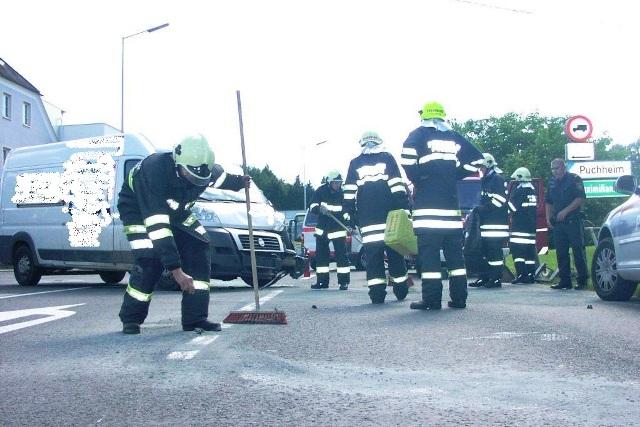 Attnang-Puchheim: Crash im Kreuzungsbereich