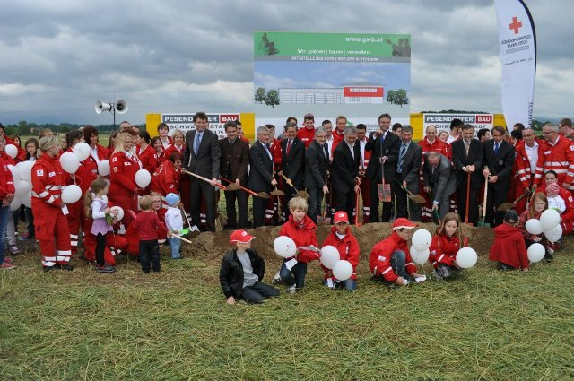 Spatenstich für neues Rot-Kreuz-Gebäude in Redlham