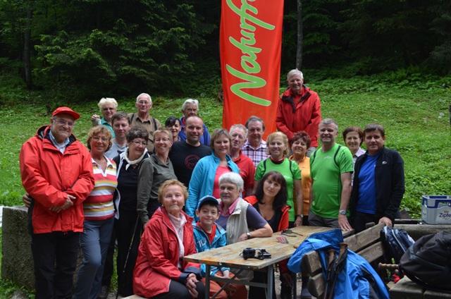 Naturfreunde trotzten bei Gebietswanderung Regenwetter