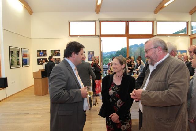"""Foto-Filmclub Mondsee eröffnete Fotoausstellung zum LEADERProjekt """"Spiegel einer Region"""""""