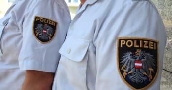 Polizei im Einsatz - Warnung vor rumänischer Banden in Vöcklabruck - Betrugsmasche Spendenaktion