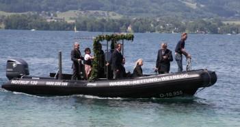 Wasserrettung Weyregg stellt neues Einsatzboot in Dienst