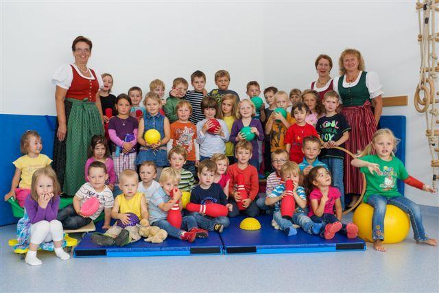 Goldhaubengruppe unterstützt Kindergarten und Krabbelstube Gschwandt