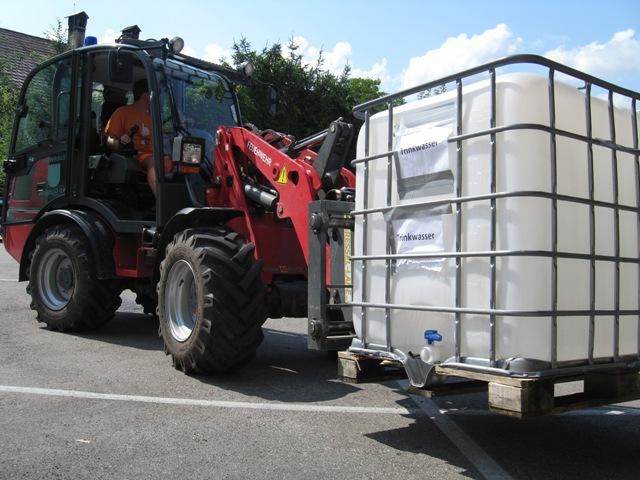Trinkwasser-Notversorgung in Bad Goisern - Feuerwehr im Dauereinsatz