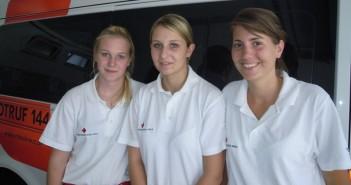 Drei neue Rettungssanitäterinnen an der Ortsstelle Gmunden