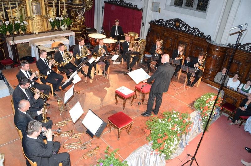 """Philharmonisches """"Heavy-Metall"""" in der Vöcklamarkter Pfarrkirche"""