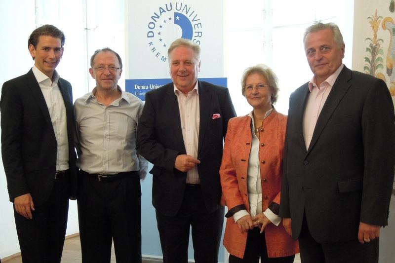 Staatssekretär Sebastian Kurz und BM Rudolf Hundstorfer bei Dialogforum in Gmunden