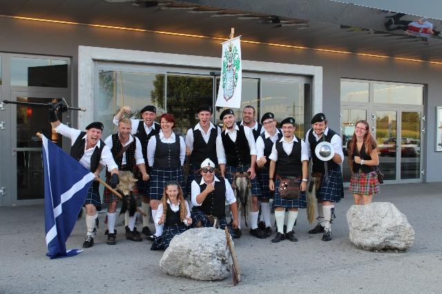 Merida Premiere mit schottischer Kilt Dance Show bei Star Movie in Regau