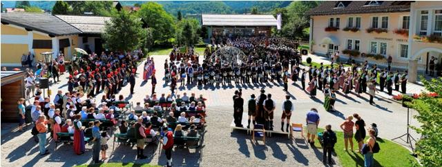1.000 Musiker feierten mit Ortsmusikkapelle Obertraun 110-jähriges Bestandsjubiläum!