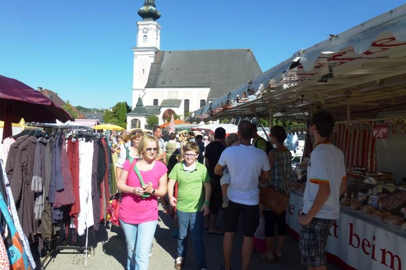 Atzbacher feierten ihren Kirtag mit vielen Freunden