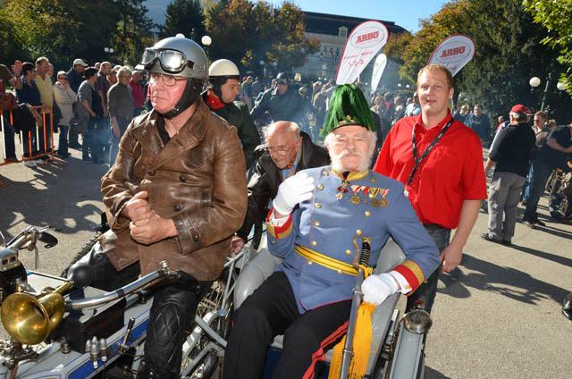 Hunderte Motorrad-Oldtimer bei Kaiserwetter in Bad Ischl